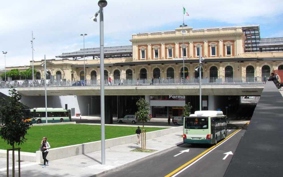 Stazione ferroviaria Parma