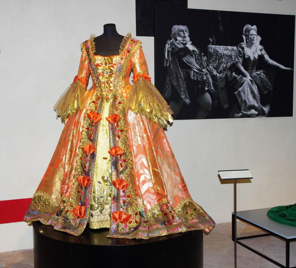 costume di Manon Lescaut_MuseoRTebaldi