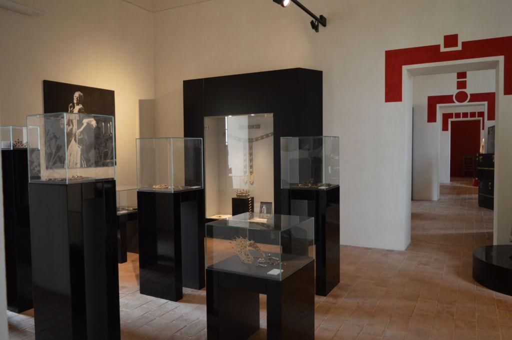 Sala dei gioielli di scena_Museo Renata Tebaldi