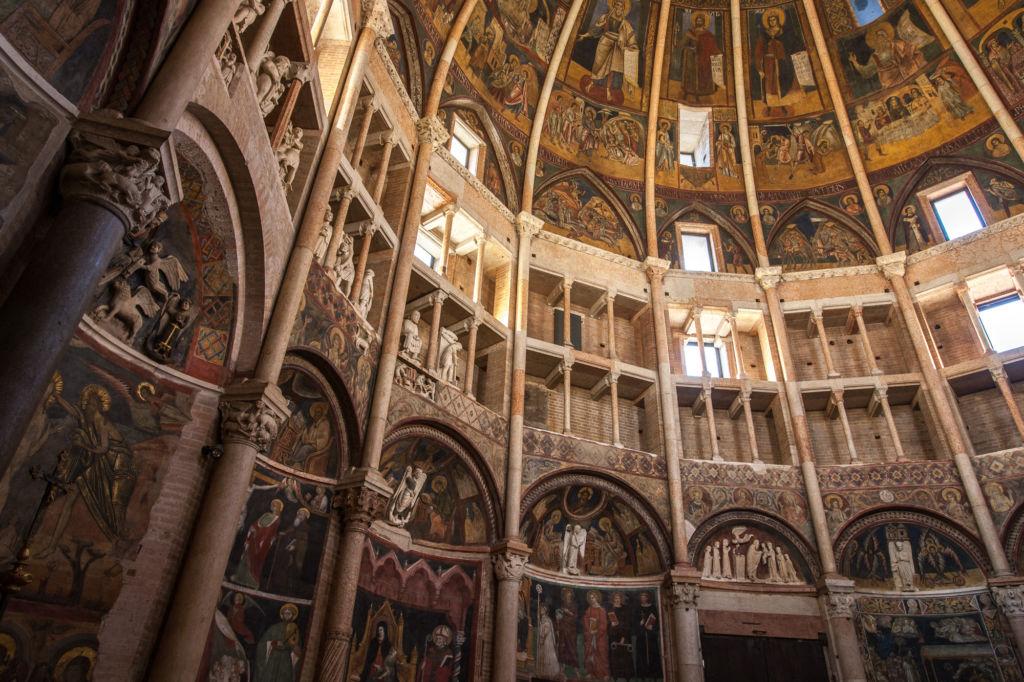 Battistero Parma particolare interno