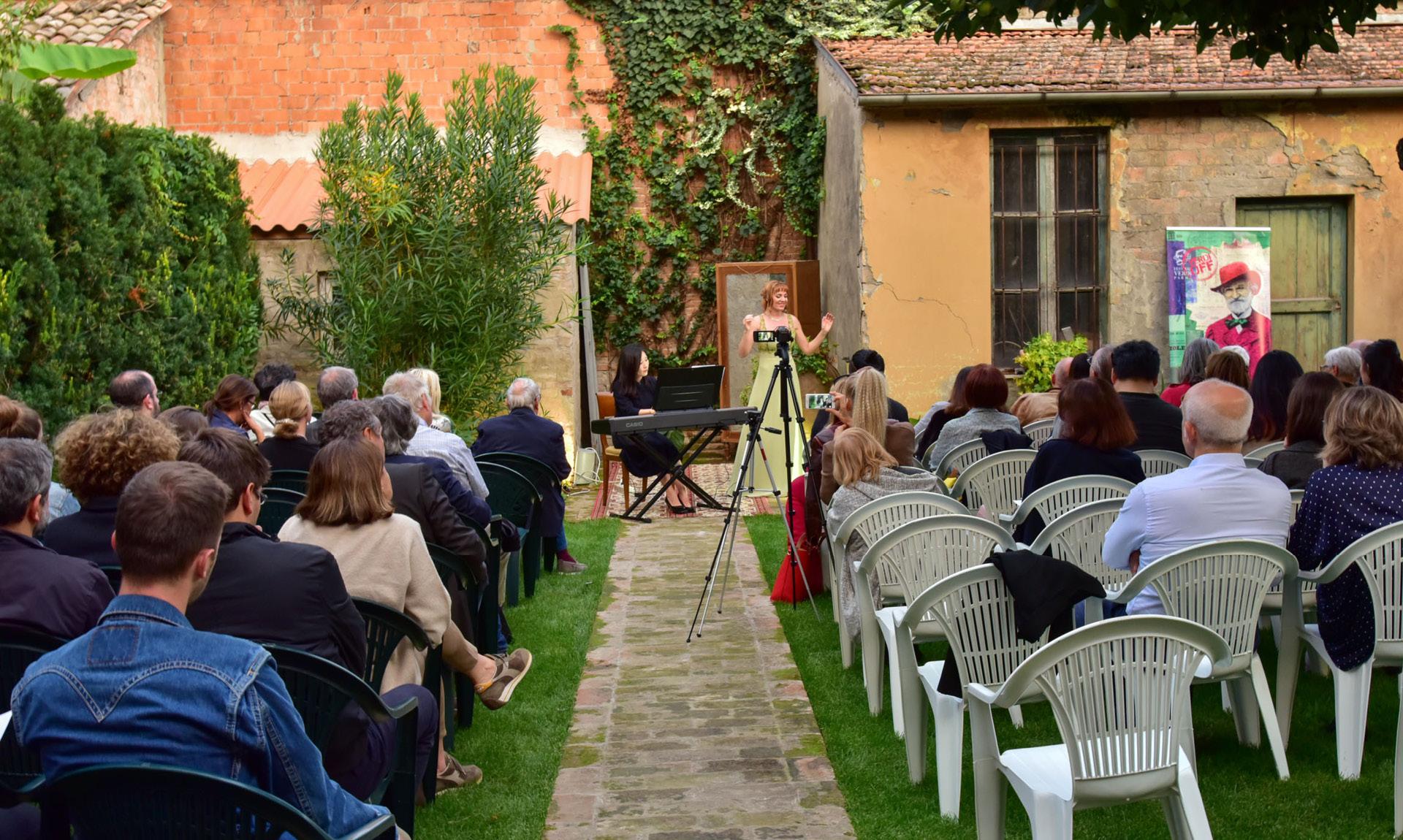 Recital in giardino.jpg