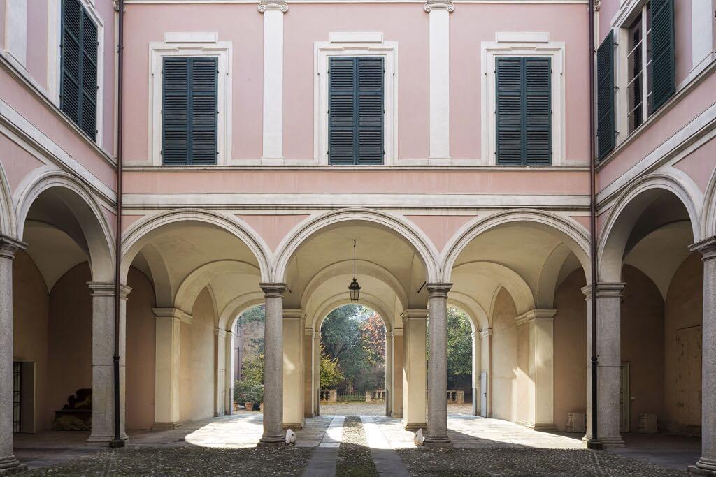 Palazzo Marchi cortile.jpg